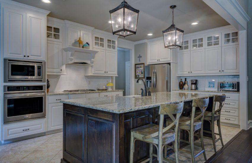 Półwysep kuchenny czy wyspa - najlepsze rozwiązania dla Twojego domu